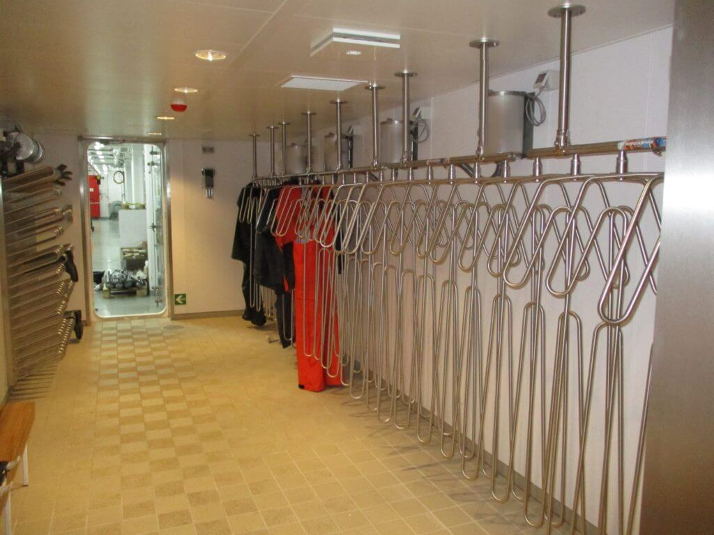 large drying room solution for boots and suits